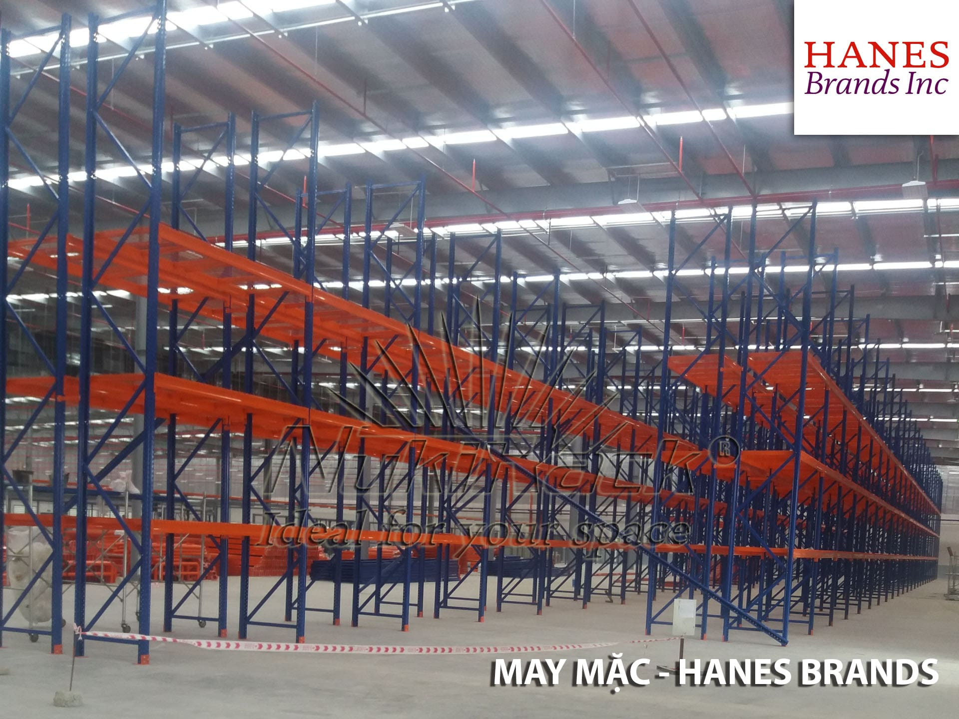 Kệ Selective cho ngành hàng may mặc -  Hanes Brands