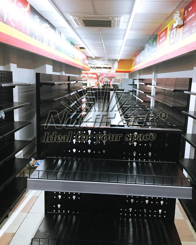 Giá kệ siêu thị Vinmart Liễu Giai